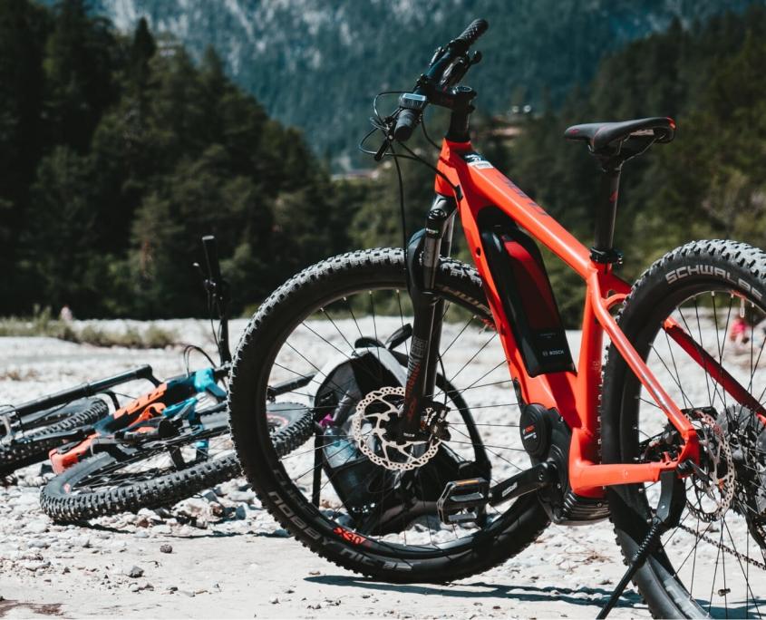 Es gibt drei E-Bike Motor-Varianten: Frontmotor, Mittelmotor oder Heckmotor.